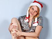 Juicy teen Inessa rubbs her fresh wet vagina